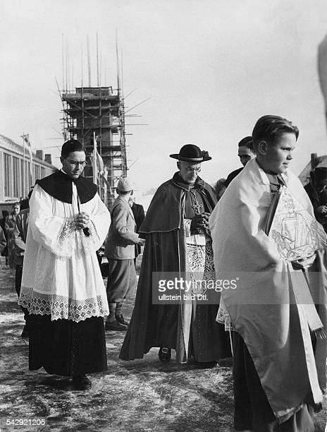 Lager Friedland Kardinal Joseph Frings bei den Russlandheimkehrern 1955