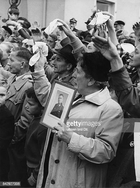 Lager Friedland Wartende Angehörige 1955