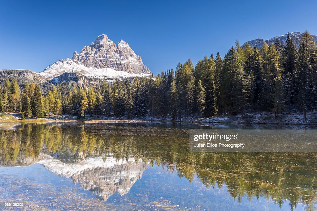 Lago Antorno in the Italian Dolomites. : Stock Photo