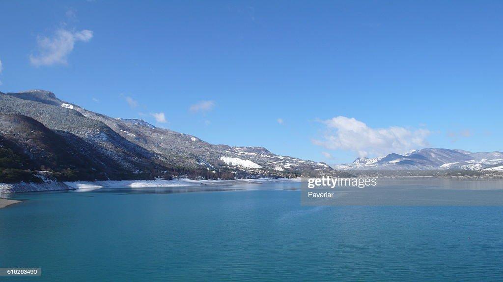 Lago de los alpes : Stock Photo