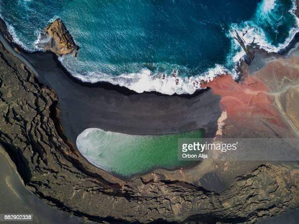 lago de los clicos - islas canarias fotografías e imágenes de stock