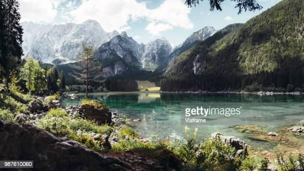 lago di fusine - slowenien stock-fotos und bilder