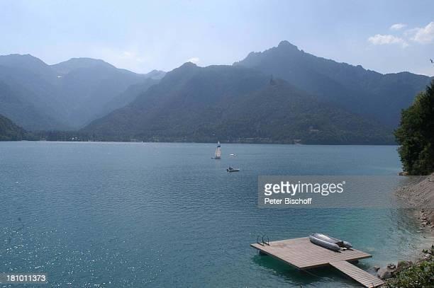 Lago di Ledro See Reise Italien/Europa in der Nähe vom Gardasee GardaSee Berg Berge Bootssteg