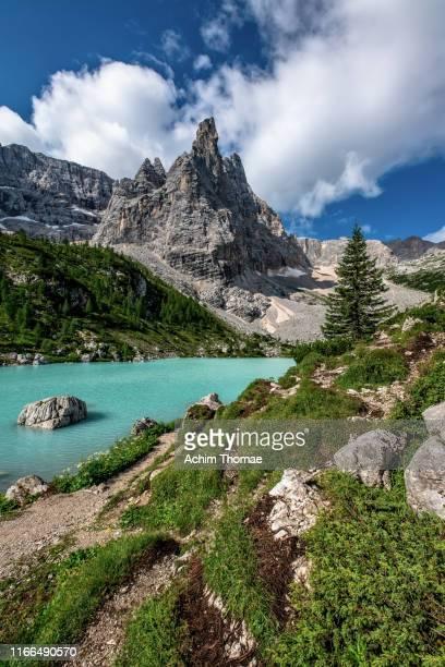 lago di sorapis, dolomite alps, italy, europe - belluno stock pictures, royalty-free photos & images