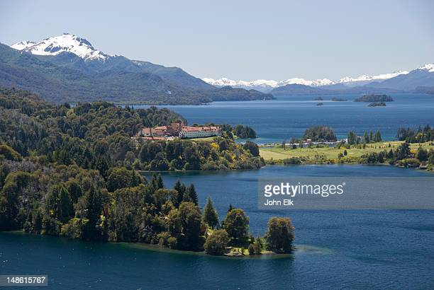 lago nahuel huapi lake and hotel llao llao. - リオネグロ州 ストックフォトと画像