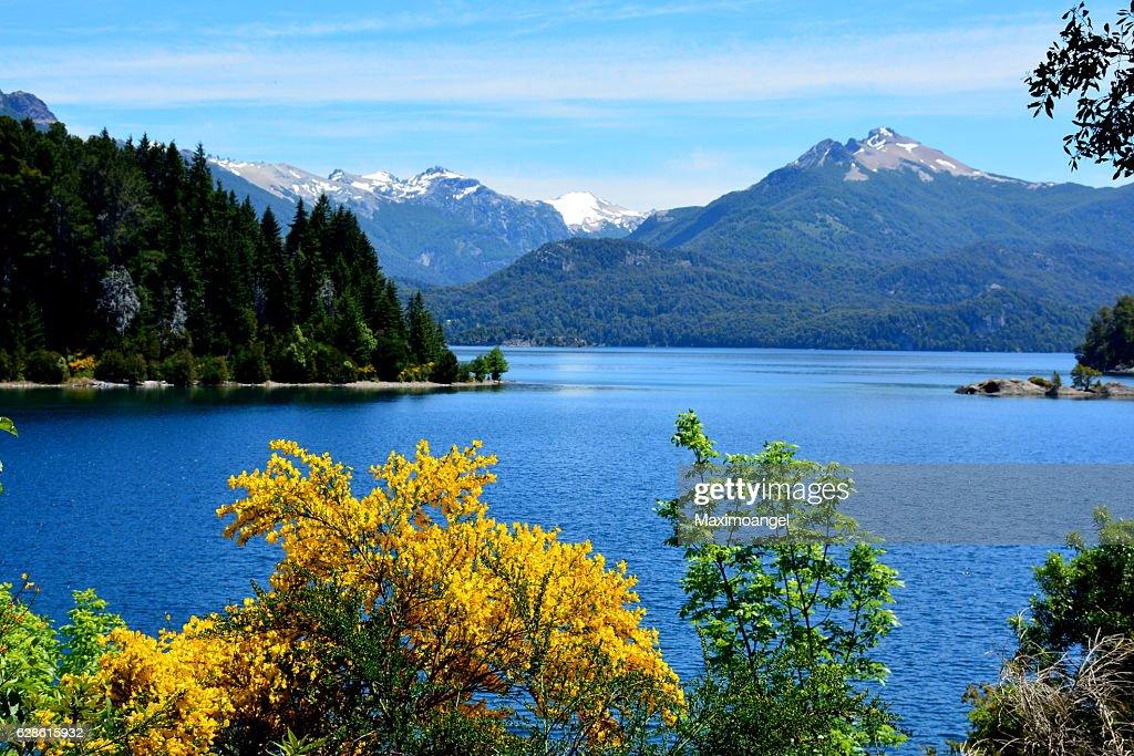 Lago Nahuel Huapi : Stock Photo