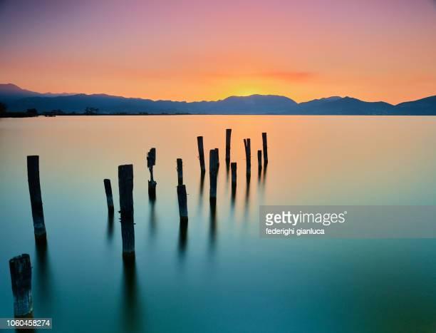 lago puccini - serenità foto e immagini stock
