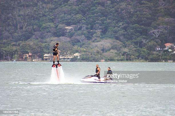 CONTENT] Lagoa da Conceição Conceição Pond O flyboard é uma nova modalidade dos esportes aquáticos que o praticante pode voar e fazer manobras sobre...