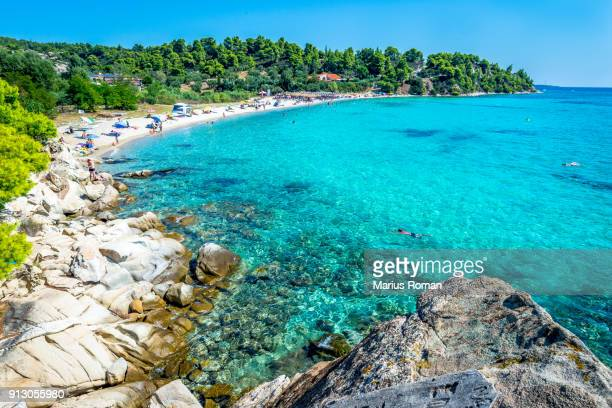 lagomandra beach, sithonia peninsula, halkidiki, central macedonia, greece. - peninsula de grecia fotografías e imágenes de stock
