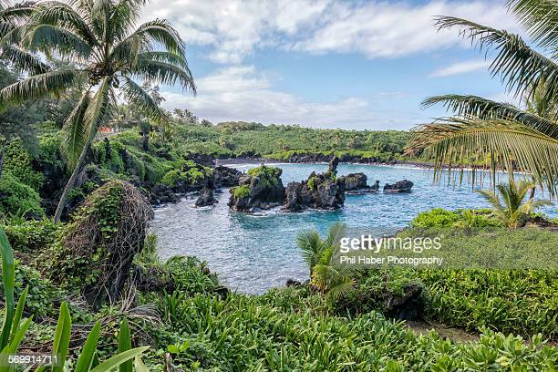 lagoon, waianapanapa state park - phil haber stock pictures, royalty-free photos & images