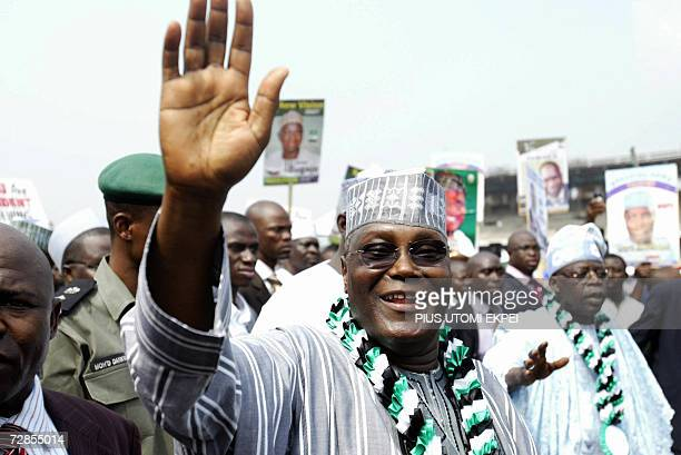 Nigerian Vice President Atiku Abubakar waves at supporters 20 December 2006 upon his arrival in Tafawa Balewa Square in Lagos to seek the...