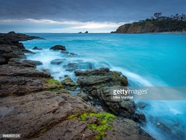 laguna beach california - mike marshall photos et images de collection