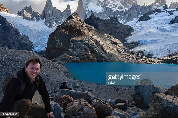 laguna de los tres,  los glaciares national park - três pessoas stock pictures, royalty-free photos & images