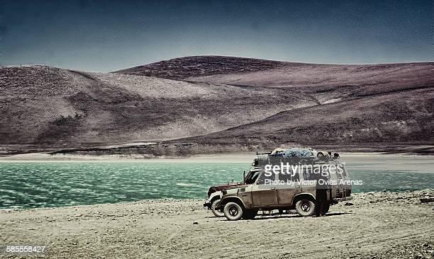 laguna verde - bolivia - victor ovies fotografías e imágenes de stock