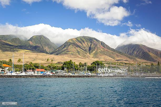 lahaina harbor and mountains seen from ocean, maui, hawaii - lahaina stock pictures, royalty-free photos & images