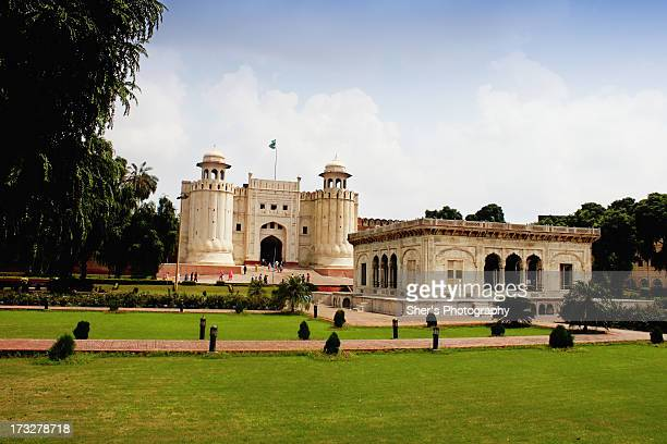 lahore fort | hazoori bagh - lahore stock photos and pictures