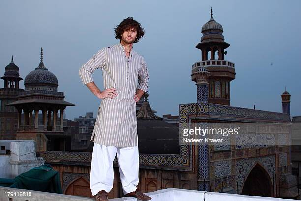 lahore - kurta stock pictures, royalty-free photos & images