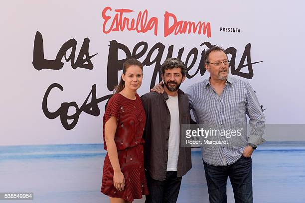 Laia Costa director Alberto Rodriquez and Jean Reno pose during a photocall for their latest work Las Pequenas Cosas on June 7 2016 in Barcelona Spain