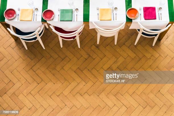 laid table with colorful table setting - herringbone - fotografias e filmes do acervo
