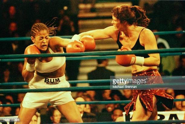 Laila Ali defeats Kendra Lenhart in Auburn Hills Michigan 20th October 2000 Ali is the daughter of boxing legend Muhammad Ali