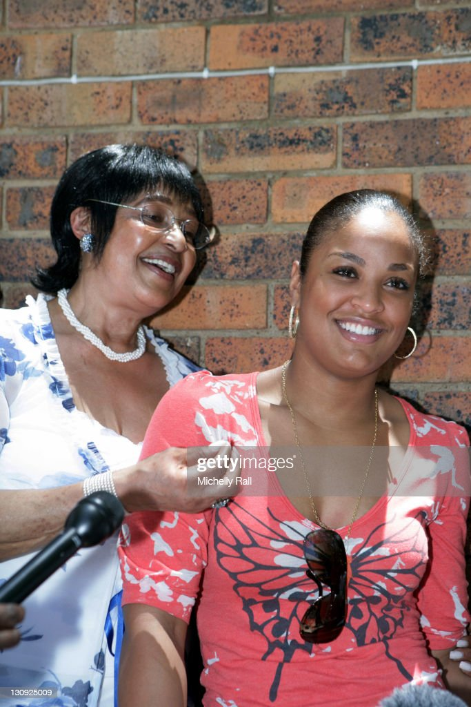 Laila Ali Visits Winnie Madizikela-Nelson Mandela - January 24, 2007