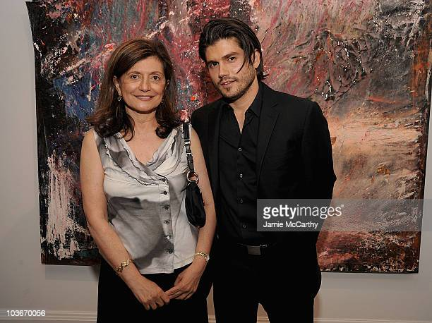 Laila Levitas and Andrew Levitas attend Andrew Levitas' works on canvas and steel exhibition opening at the Dactyl Foundation on May 9 2009 in New...