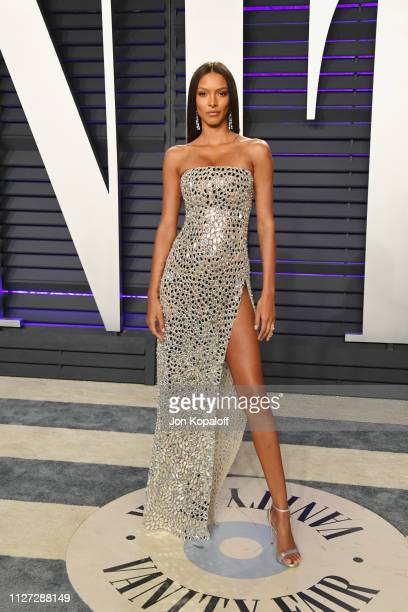 Lais Ribeiro attends the 2019 Vanity Fair Oscar Party hosted by Radhika Jones at Wallis Annenberg Center for the Performing Arts on February 24 2019...