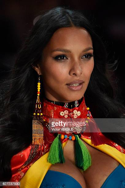 Lais Ribeiro walks the runway during the 2016 Victoria's Secret Fashion Show on November 30 2016 in Paris France