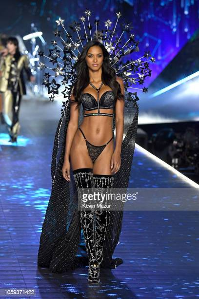 Lais Ribeiro walks the runway during the 2018 Victoria's Secret Fashion Show at Pier 94 on November 8 2018 in New York City