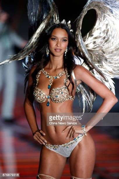 Lais Ribeiro walks the runway in the Fantasy Bra during the 2017 Victoria's Secret Fashion Show at MercedesBenz Arena on November 20 2017 in Shanghai...