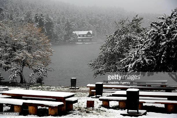 Lake Abant Nature Park is seen under snow on October 4 2013 in Bolu Turkey The recent cold front sweeping across Turkey as a result of the low...