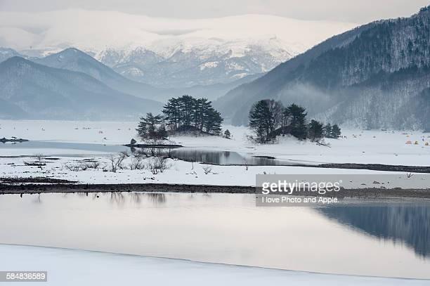 Lake Akimoto early spring