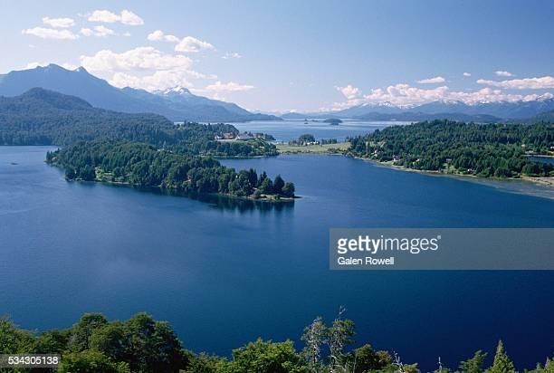 lake at bariloche, argentina - リオネグロ州 ストックフォトと画像
