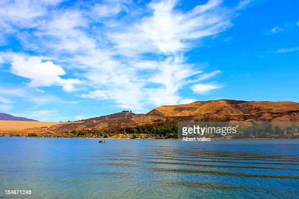 lake beauty! - castaic lake stock pictures, royalty-free photos & images