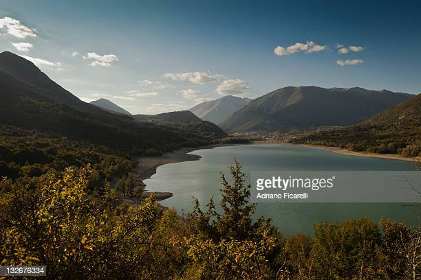 lake before sunset - adriano ficarelli stock pictures, royalty-free photos & images