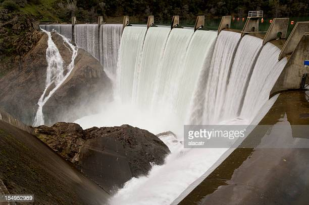 lake clementine dam, spring flood. - california flood stock photos and pictures