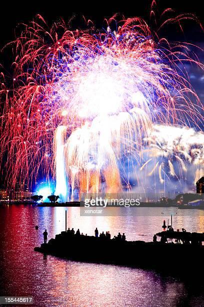 Genfer See bei Nacht mit Feuerwerk