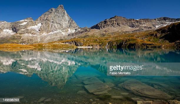lake goillet - monte cervino foto e immagini stock