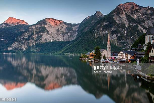 lake hallstatt - achim thomae stock-fotos und bilder