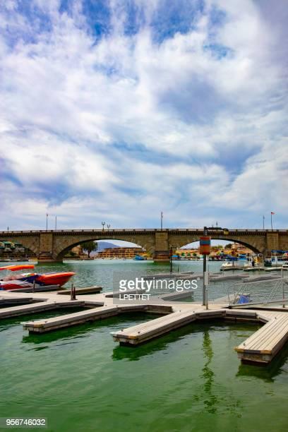 lake havasu - london bridge arizona stock pictures, royalty-free photos & images