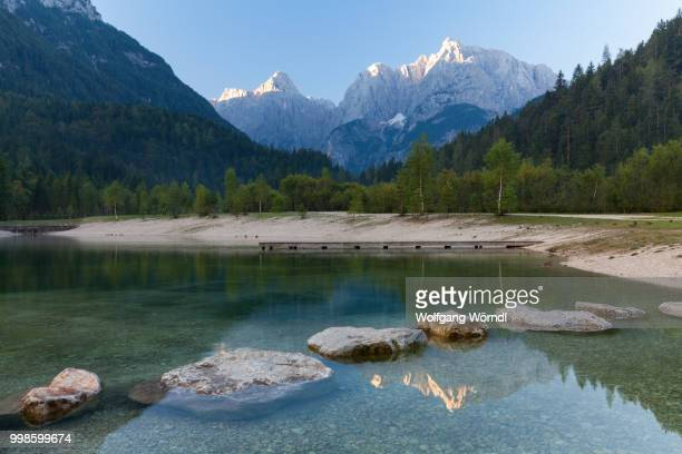 lake jasna - wolfgang wörndl stock pictures, royalty-free photos & images