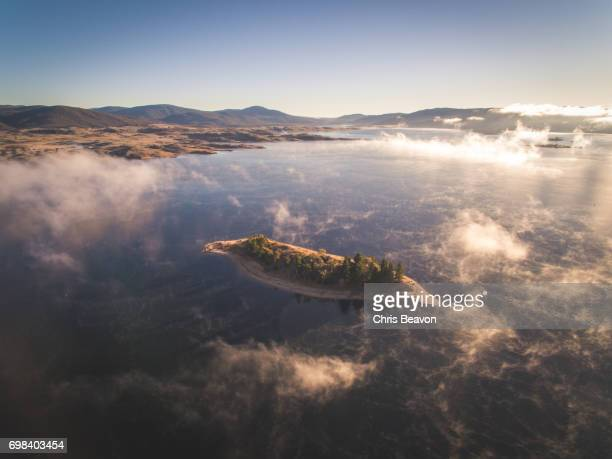 lake jindabyne - great dividing range stock-fotos und bilder