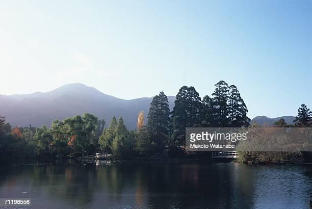 lake kinrin, oita prefecture, japan - 大分県 ストックフォトと画像