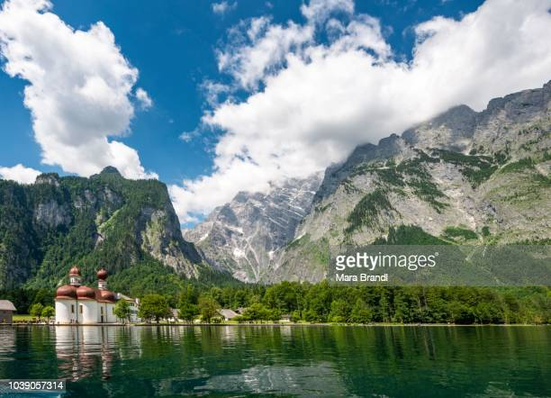 Lake Koenigssee with Watzmann massif and pilgrimage church of St. Bartholomew, Berchtesgaden National Park, Berchtesgadener Land, Upper Bavaria, Bavaria, Germany