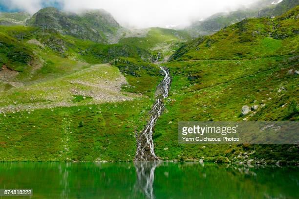 lake la jasse, prapoutel, isere, france - rhone alpes stock photos and pictures