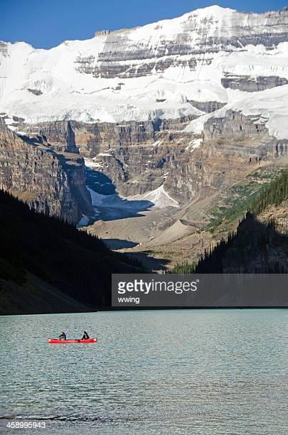 lake louise canoagem - chateau lake louise - fotografias e filmes do acervo