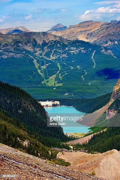 lake louise from plain of six glaciers trail - chateau lake louise - fotografias e filmes do acervo