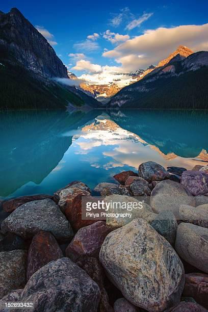 lake louise - lake louise stock pictures, royalty-free photos & images