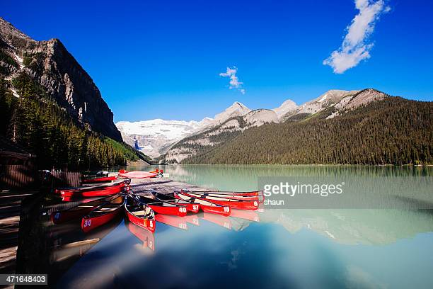 lake louise - lake louise stock photos and pictures