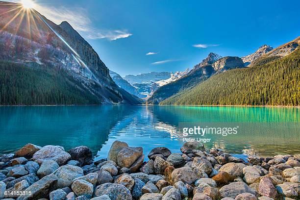 lake louise,banff national park,alberta - lake louise stock photos and pictures